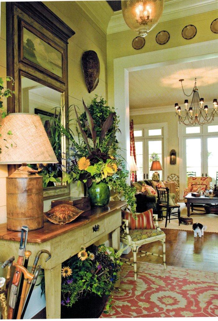 Paula Deen's Entry Foyer