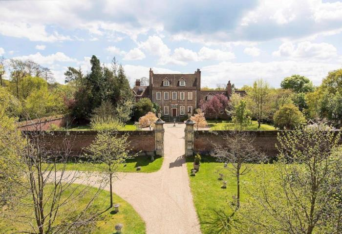 Tour Byfleet Manor Home of Lady Violet, Downton Abbey