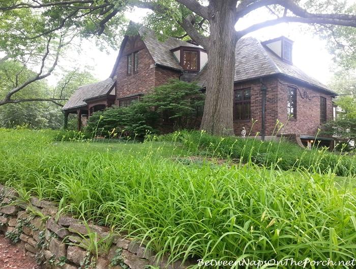 Charming Older Homes 05_wm