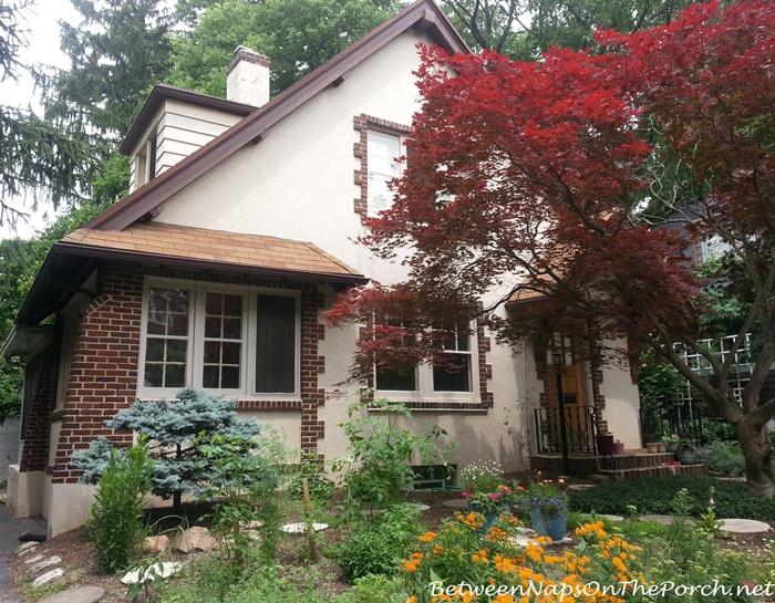 Charming Older Homes 10_wm