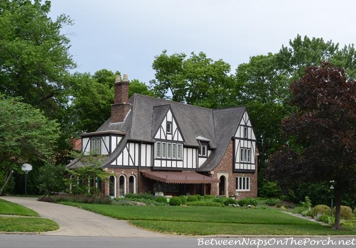 Charming Older Homes 15_wm