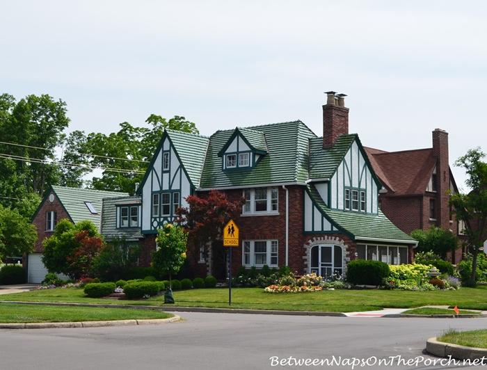 Charming Older Homes 28_wm