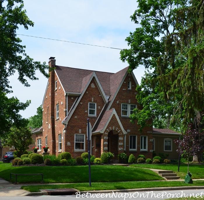 Charming Older Homes 31_wm