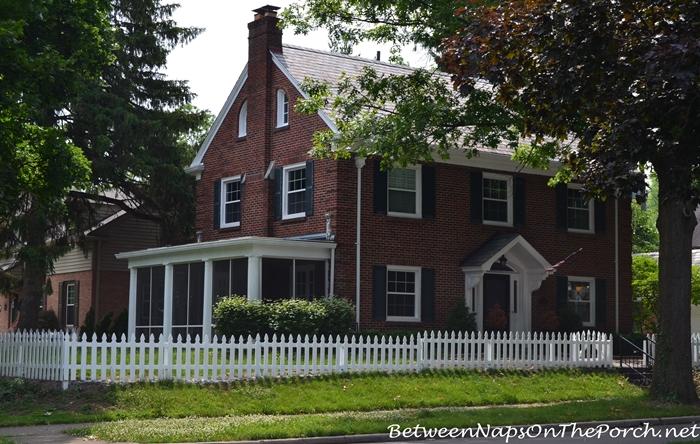 Charming Older Homes 33_wm