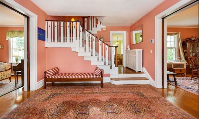 Mad Men's Don Draper's Colonial Home For Sale 04