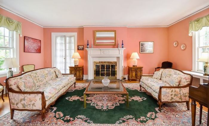 Mad Men's Don Draper's Colonial Home For Sale 12