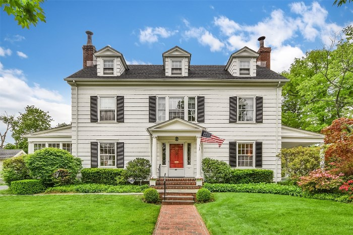 Mad Men's Don Draper's Colonial Home For Sale 18