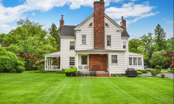 Mad Men's Don Draper's Colonial Home For Sale 19