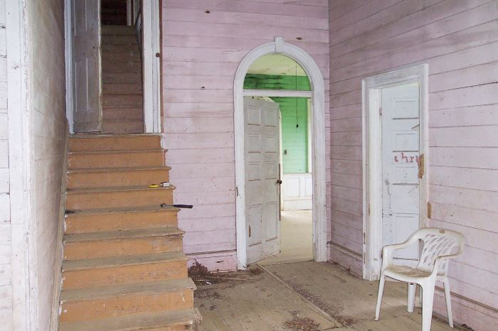 1820 Mississippi Farmhouse Entry Before Restoration