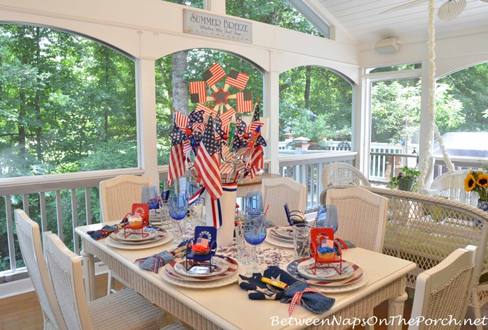4th of July Table Setting on the Porch
