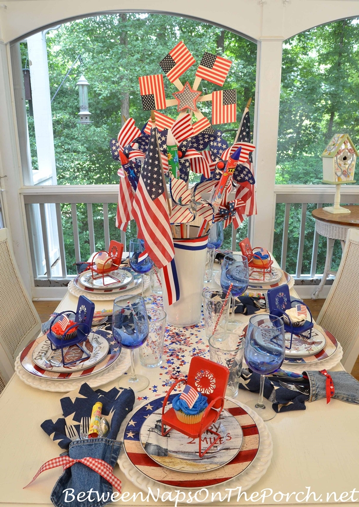 4th of July Tablescape On Porch