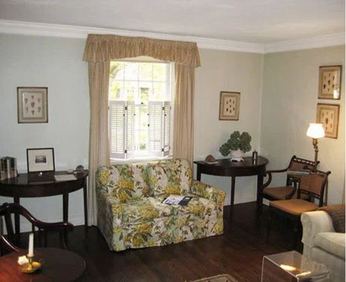 Frances Schultz's Bee Cottage Living Room Before Makeover