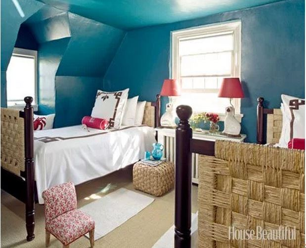 Guest Room in Frances Schultz's Bee Cottage Home