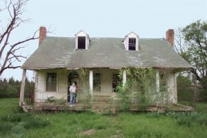 Historic Mississippi Farmhouse Before Restoration
