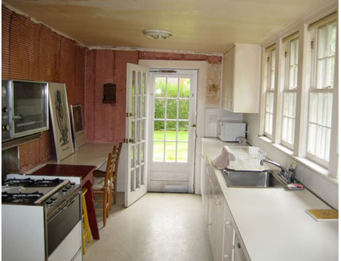 Kitchen in Frances Schultz's Bee Cottage Before Makeover