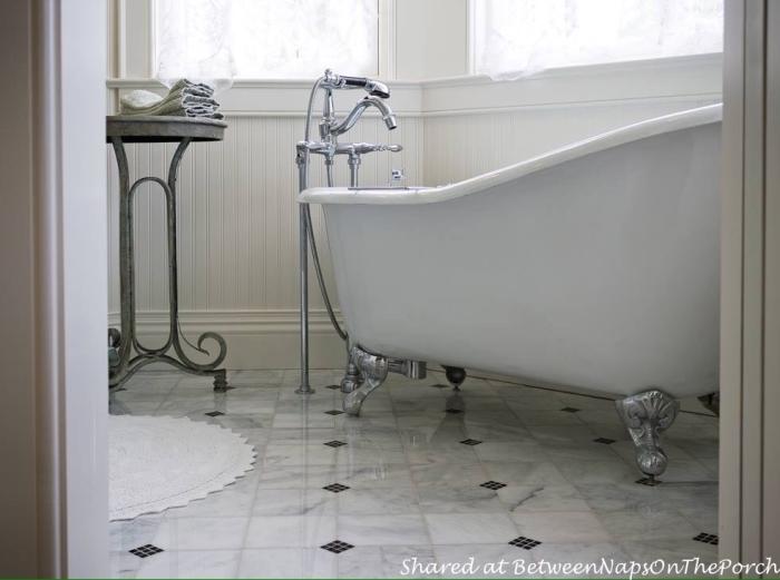 Marble Floor Bath with Claw Foot Tub