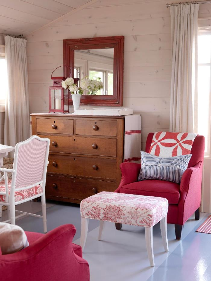 Sarah Richardson's Master Bedroom Summer House