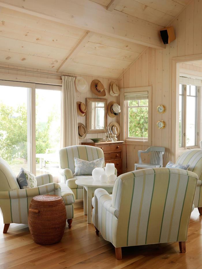 Sarah Richardson's Sitting Room in Summer House