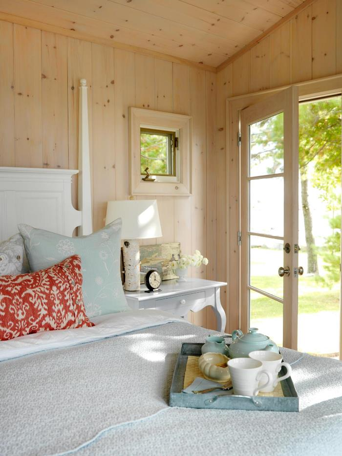 Sarah Richardson's Summer House Guest Room
