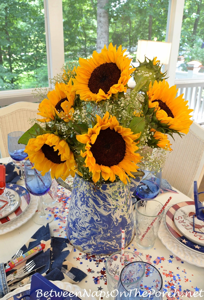 Sunflower Centerpiece for a 4th of July Tablescape