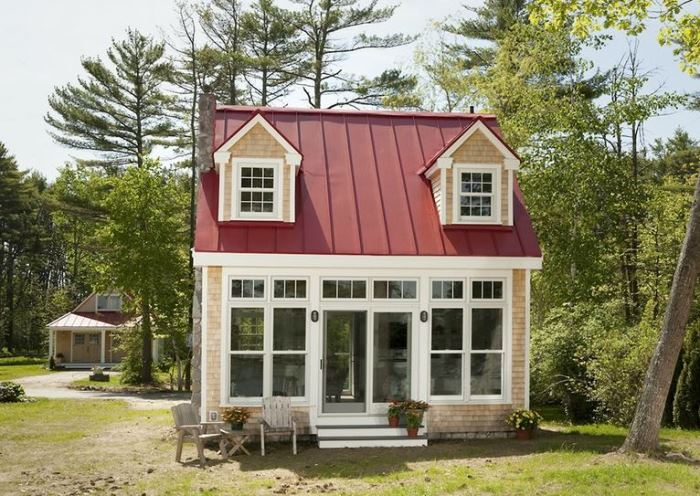 Stupendous Small House Living On A Grand Scale Largest Home Design Picture Inspirations Pitcheantrous