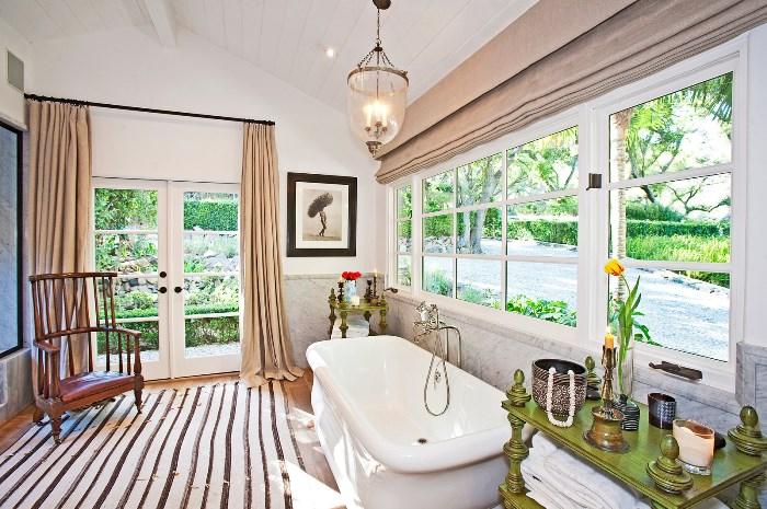 Beautiful Home With African Safari Art & Decor 05