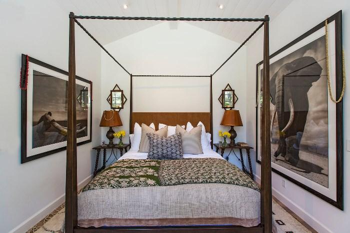 Beautiful Home With African Safari Art & Decor 07