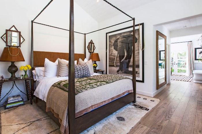 Beautiful Home With African Safari Art & Decor 09