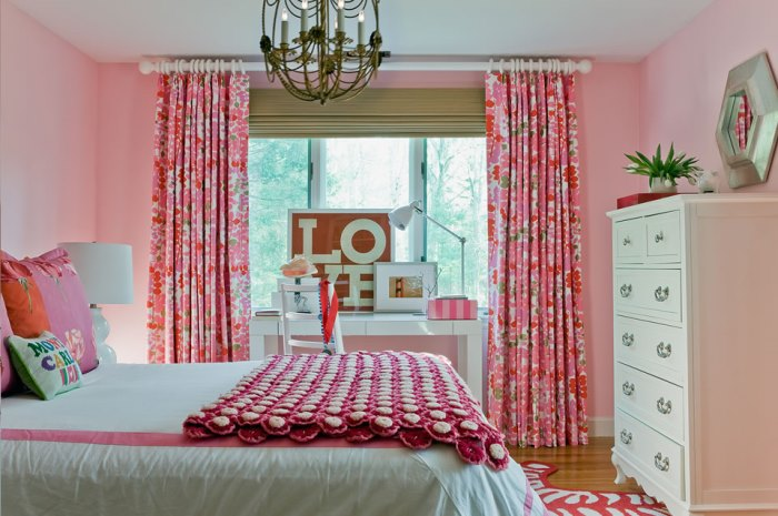 Bedroom Makeover in Pink