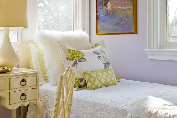 Lavender Walls for Bedroom in Green & Lavender