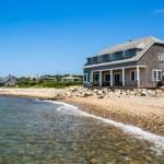 A Cozy, Oceanside Cottage in Vineyard Highlands, Martha's Vineyard