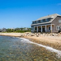 A Cozy, Oceanside Cottage in Vineyard Highlands, Martha's Vineyard