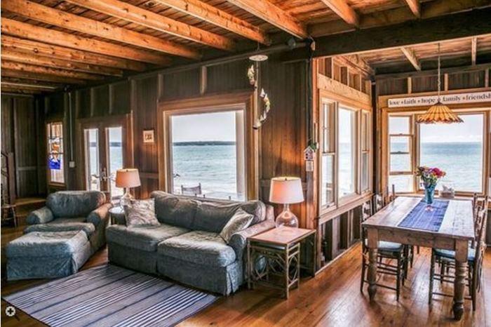 Oceanside Cottage Vineyard Highland, Oak Bluffsm Massachusettes 05