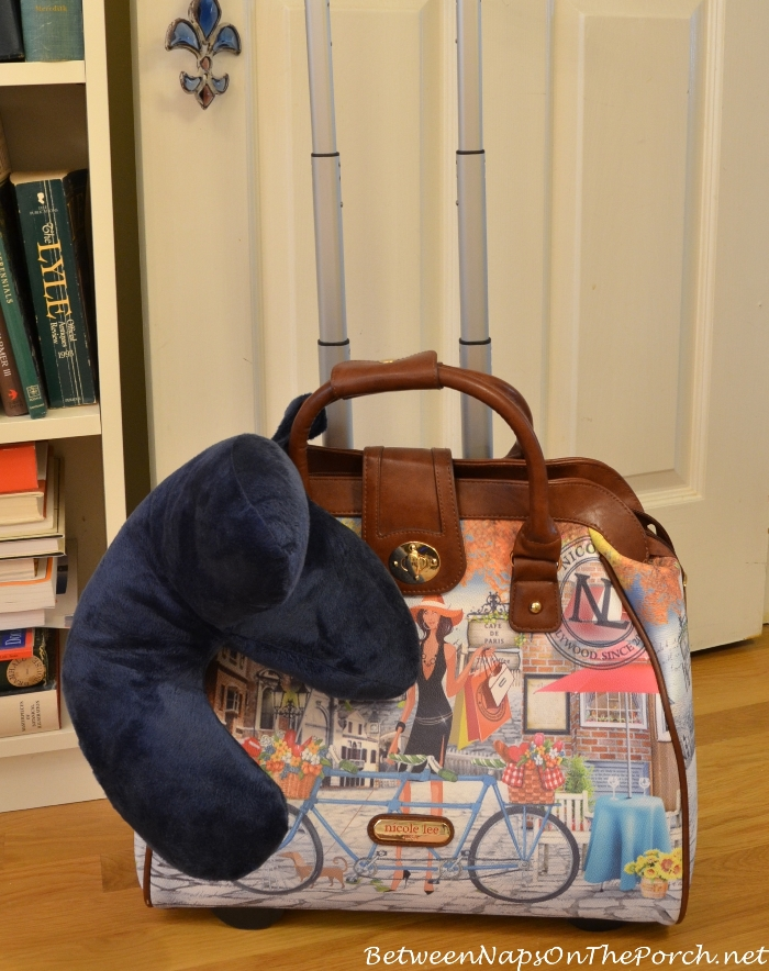 Travel Carry-on Rolling Bag With J Travel Pillow_wm