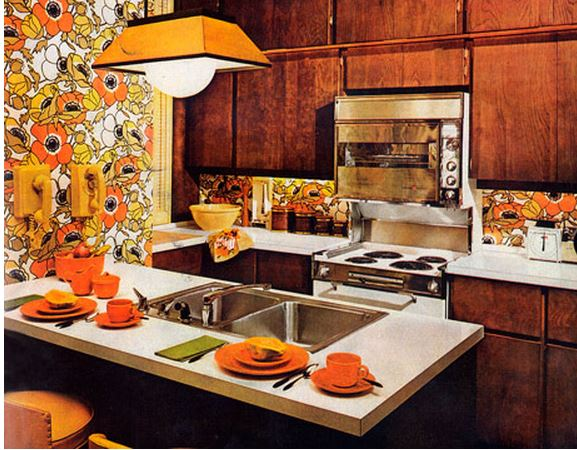 1960's Kitchen Wallpaper in Orange and Yellow Flowers