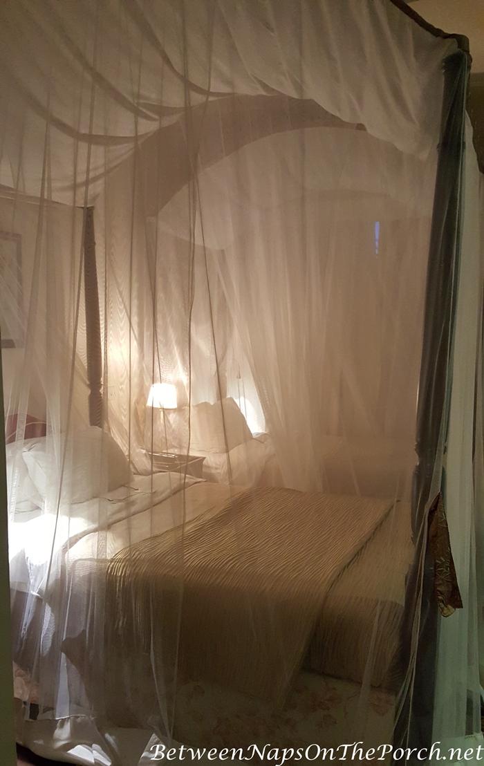 Romantic Bedding, Safari Style