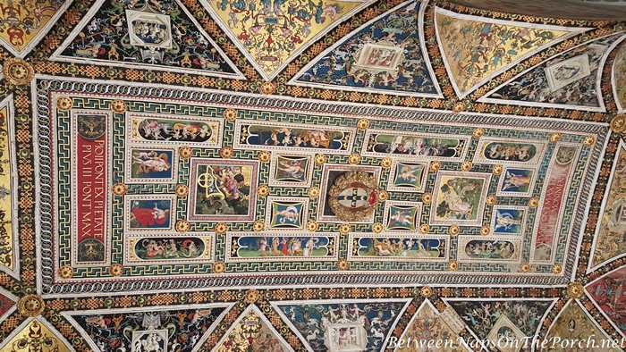 Ceiling in Piccolomini Library, Siena Cathedral