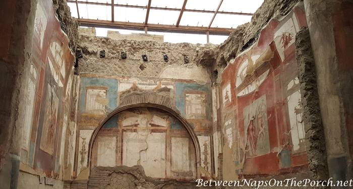 Herculaneum Ruins, Murals and Architecture 15