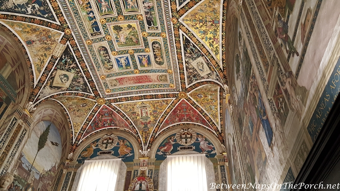 Piccolomini Library Ceiling, Siena Cathedral 1_wm