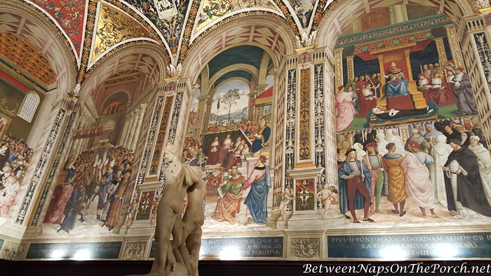 Piccolomini Library Ceiling, Siena Cathedral 3_wm