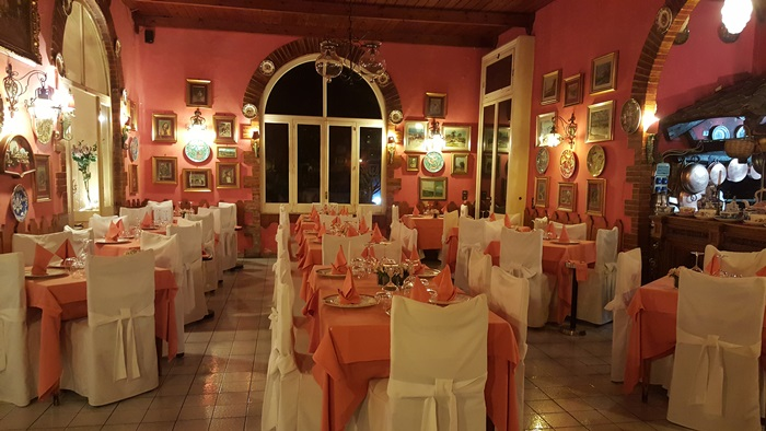 Romantic Dining in Italy 01