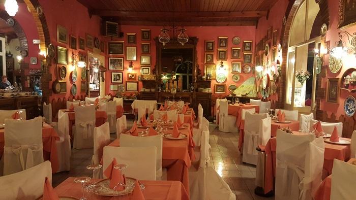 Romantic Dining in Italy 02