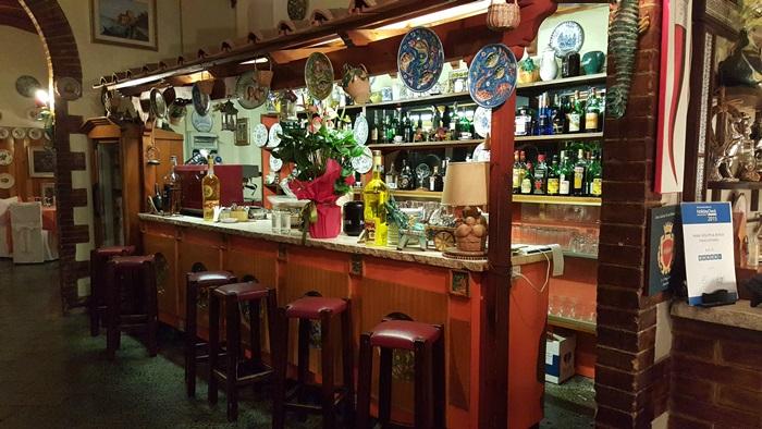 Romantic Dining in Italy 17