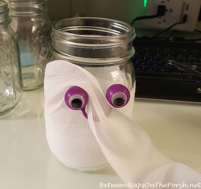 Tutorial to Make Mummy Candle Holders 4