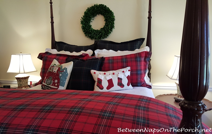 Christmas Bedding in Red Tartan
