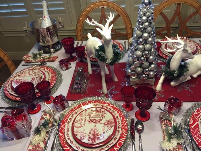 Bon Jour Yuletide Dinnerware in Christmas Table Setting