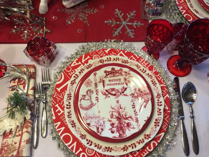 Bon Jour Yuletide Dishes for Christmas