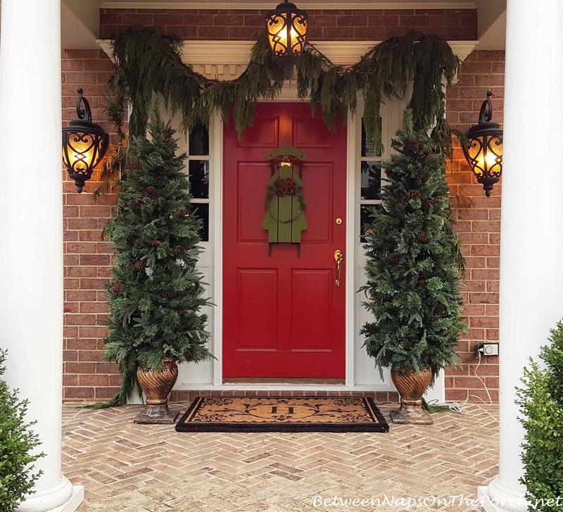 Christmas Porch, Red Door Cedar Garland
