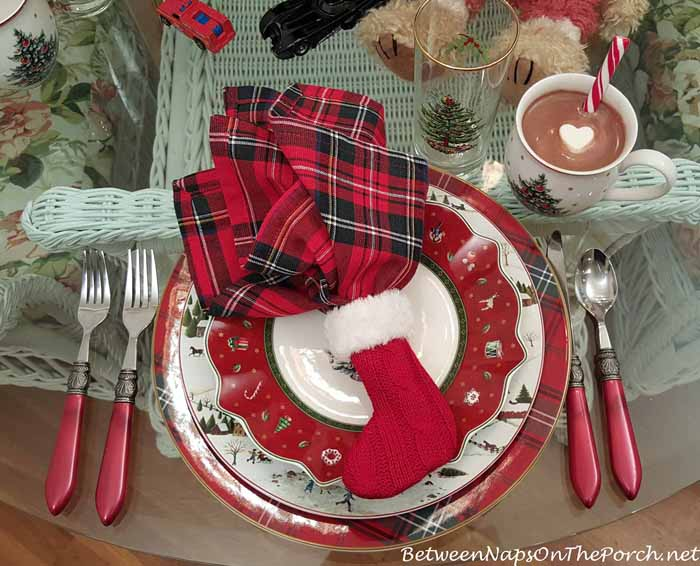 Christmas Table Setting with Villeroy & Boch Toy's Delight & Christmas Valley by David Carter Brown