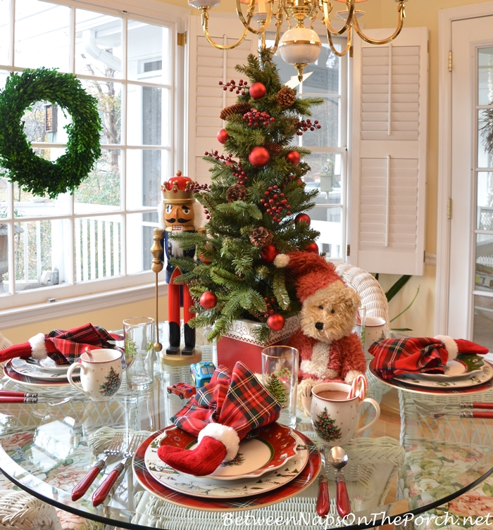 Christmas Tablescape, Villeroy & Boch Toy's Delight